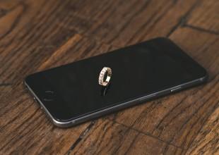 Perché regalare (o regalarsi) un gioiello piuttosto che un iPhone